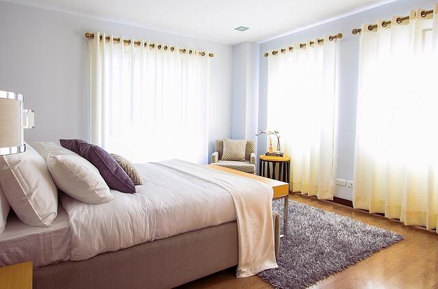 kobereček před postelí