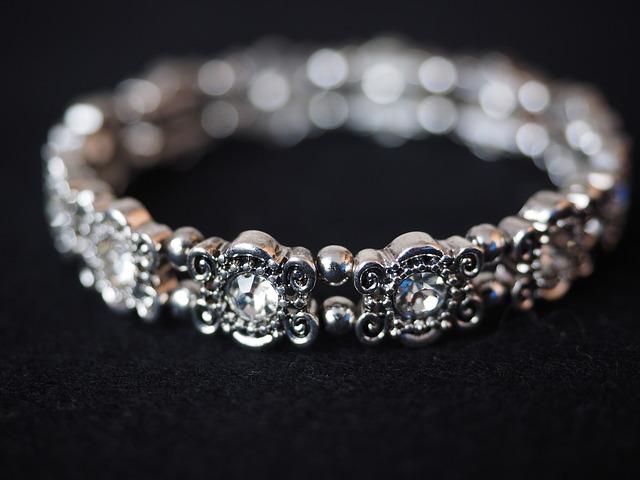 šperk stříbrny