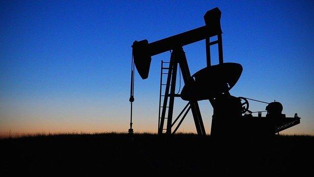 Ťažba ropy.jpg